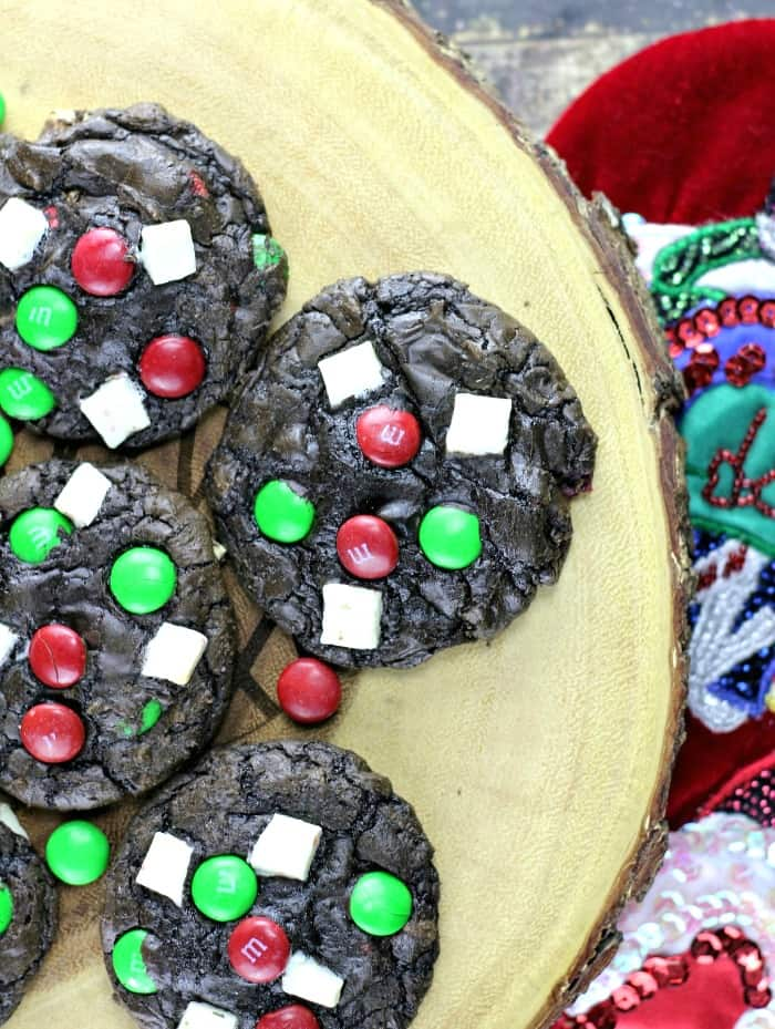 Christmas Peppermint Chunk M&M Cookies