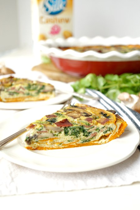spinach, mushroom, and bacon sweet potato crust quiche | The Baking Fairy