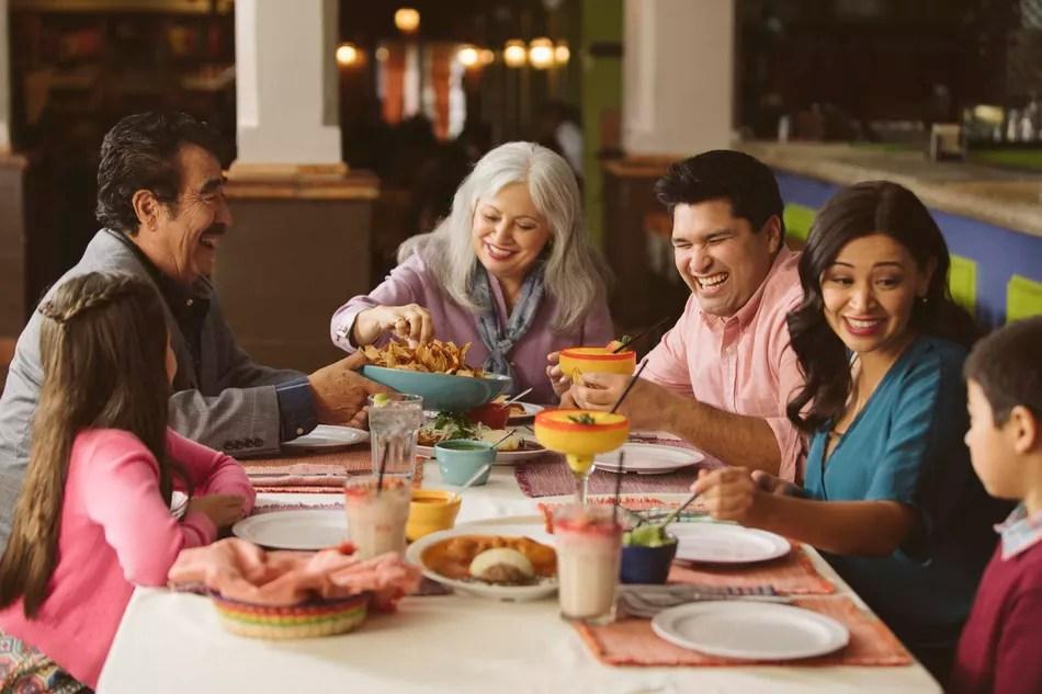 Семейный стиль столовой
