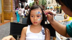 hand-and-face-painting