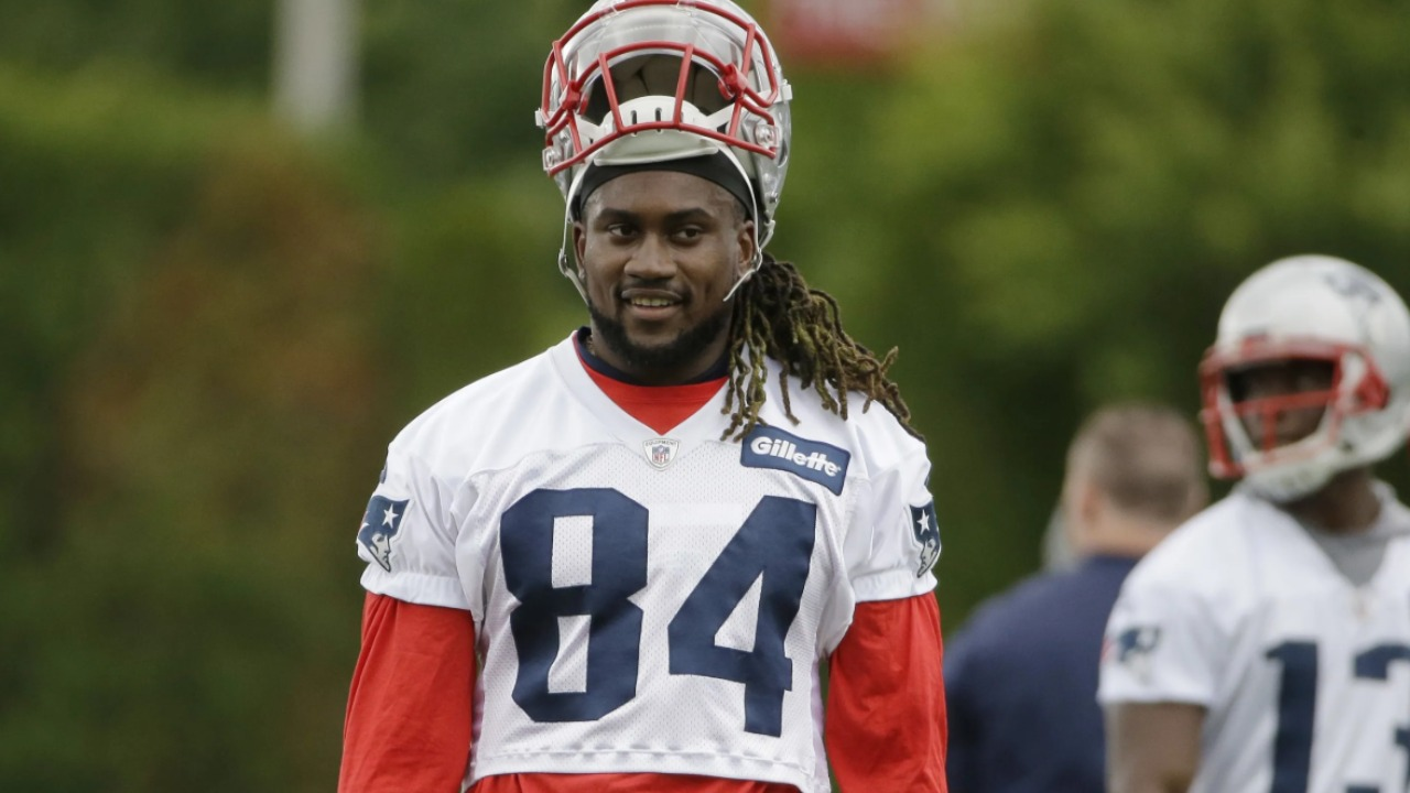 Cordarrelle patterson signed a one year contract with the falcons worth $3 million. Cordarrelle Patterson Makes Free Agency Decision