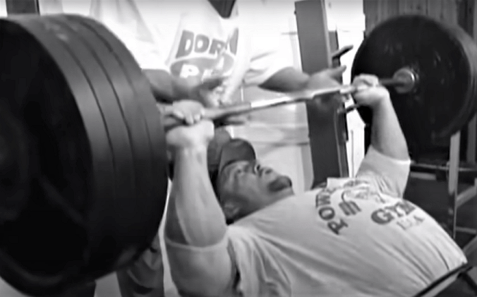 Dorian Yates incline pressing 405 lbs.