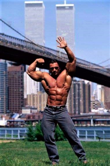 bodybuilder Twin Towers