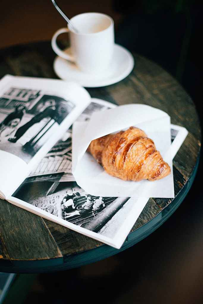 How To Design an Attractive Newsletter/Magazine Cover Page (+ Personalised Tips)