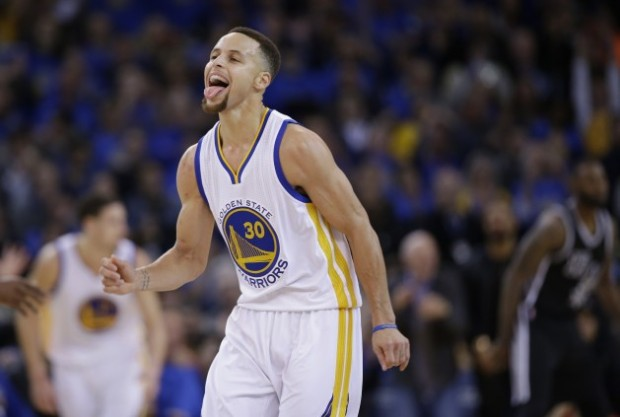 Steph Curry hit six threes and dropped 37 in Golden State's route of San Antonio on Monday