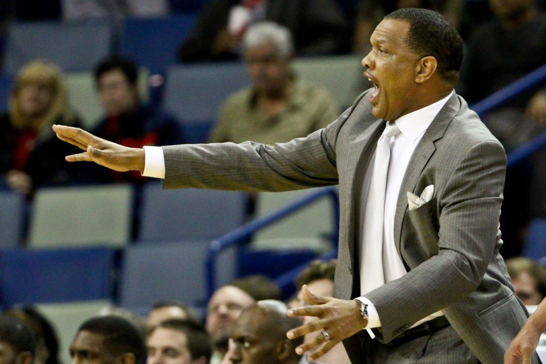 Dec 5, 2016; New Orleans, LA, USA; New Orleans Pelicans head coach Alvin Gentry reacts to a play during the first quarter of a game against the Memphis Grizzlies at the Smoothie King Center. Mandatory Credit: Derick E. Hingle-USA TODAY Sports