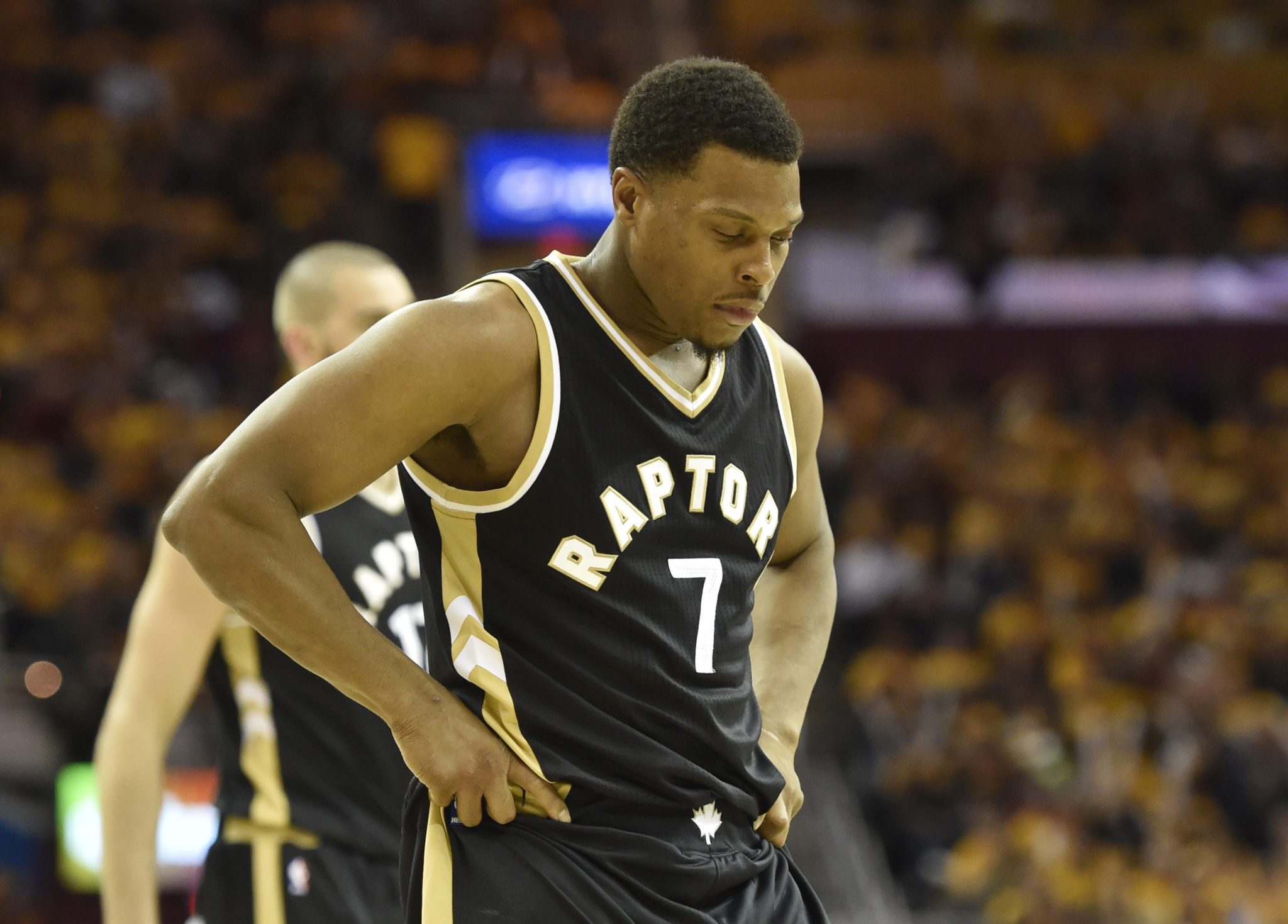 Sore ankle keeps Raptors G Lowry out of starting lineup