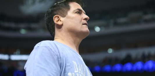 Feb 24, 2016; Dallas, TX, USA; Dallas Mavericks owner Mark Cuban during the game against the Oklahoma City Thunder at American Airlines Center. Mandatory Credit: Matthew Emmons-USA TODAY Sports