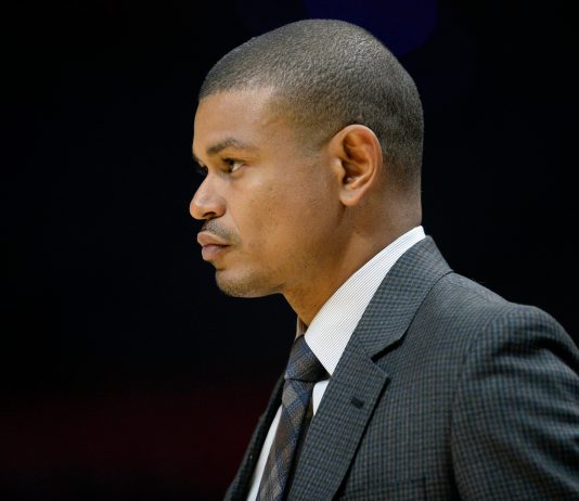 October 21, 2017; Los Angeles, CA, USA; Phoenix Suns head coach Earl Watson watches game action against the Los Angeles Clippers during the first half at Staples Center. Mandatory Credit: Gary A. Vasquez-USA TODAY Sports