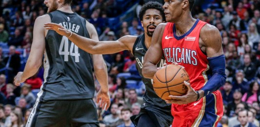 Dec 27, 2017; New Orleans, LA, USA; New Orleans Pelicans guard Rajon Rondo (9) looks to pass against the Brooklyn Nets during the second half at the Smoothie King Center. The Pelicans defeated the Nets 128-113. Mandatory Credit: Derick E. Hingle-USA TODAY Sports