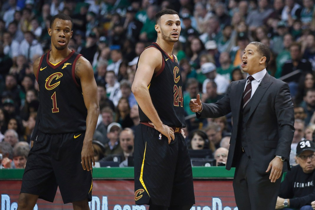 Feb 11, 2018; Boston, MA, USA; Cleveland Cavaliers head coach Tyronn Lue talks with forward Larry Nance Jr. (24) and guard Rodney Hood (1) during the second quarter at TD Garden. Mandatory Credit: Winslow Townson-USA TODAY Sports
