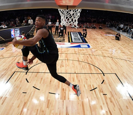 Feb 17, 2018; Los Angeles, CA, USA; Dallas Mavericks guard Dennis Smith Jr. (1) dunks in the slam dunk contest in the 2018 All Star Saturday Night at Staples Center. Mandatory Credit: Chris Pizzello/Pool Photo via USA TODAY Sports