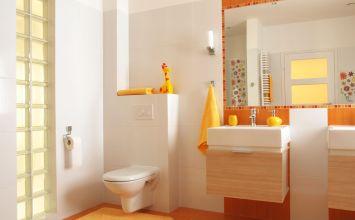 Efectos ópticos para ampliar un baño pequeño
