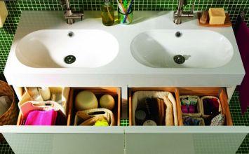Ideas para organizar el maquillaje en el cuarto de baño