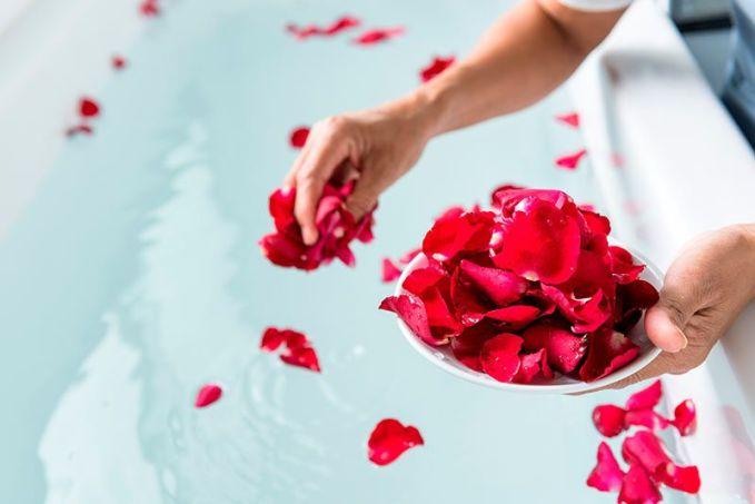 como hacer un baño de espuma romantico