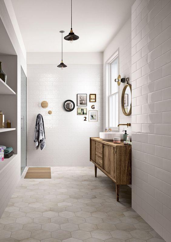 decoración de baño con azulejos