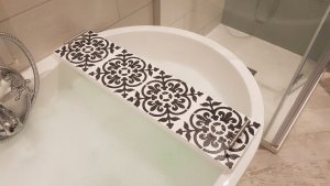 Patterned Wooden White Bath Rack