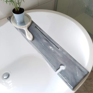 Grey Scandi Nordic Scalloped Edges Wooden Bath Rack