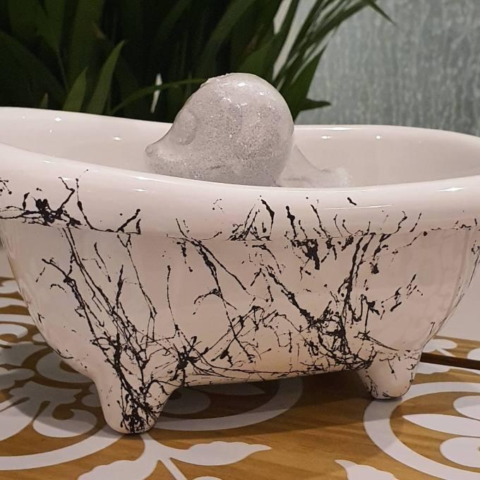 Mini White Bath with black marble effect