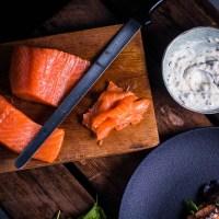 Hoe maak je heerlijke koudgerookte zalm op je BBQ?