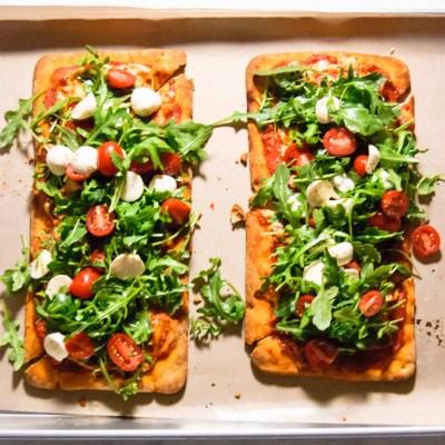 Caprese Arugula Flatbread Pizza
