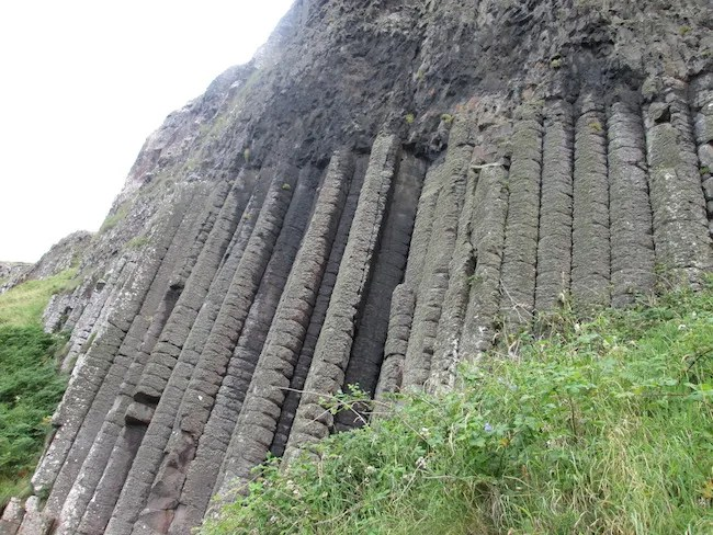 """The """"Pipe Organ"""" at Giant's Causeway"""