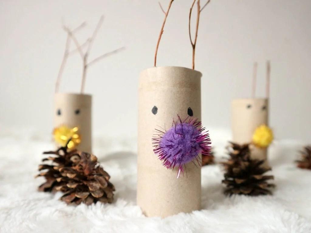 renos hechos con rollos de papel