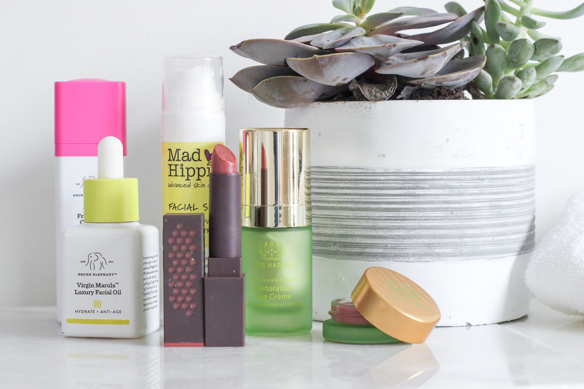 A ROUNDUP OF THE BEST GREEN BEAUTY PRODUCTS AROUND, INCLUDING MAKEUP AND SKINCARE | GREEN BEAUTY PRODUCTS | CLEAN BEAUTY PRODUCTS | THE BEST ORGANIC BEAUTY PRODUCTS | THE BEST DRUGSTORE ORGANIC BEAUTY PRODUCTS | THE BEST CHEAP ORGANIC BEAUTY PRODUCTS | THE BEST ORGANIC MAKEUP | THE BEST AFFORDABLE ORGANIC MAKEUP AND SKINCARE PRODUCTS | #EARTHDAY #NONTOXIC #CLEANBEAUTY #GREENBEAUTY #ORGANICBEAUTY