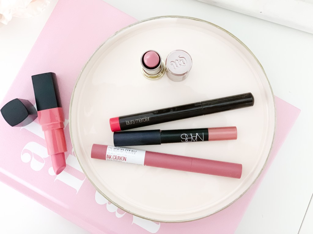 MY FIVE FAVORITE LIPSTICKS FOR FALL | Sharing the best Fall lipstick colors, ranging from a sheer nude, to a bold red lipstick, perfect for the holidays.