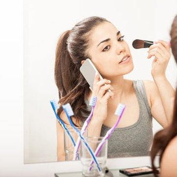 5 sneaky reasons that are responsible for makeup meltdowns