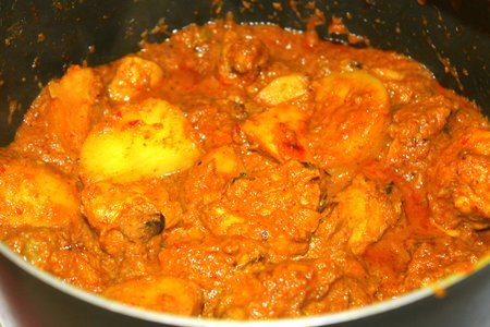 bengali recipe of chicken kasha or spicy dry chicken curry . Bengali murgi kosha or kolkata chicken kasha curry recipe with step by step photos.