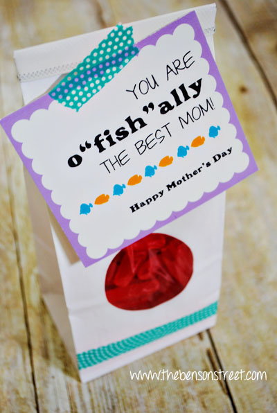 Printable Best Mom Tag for Mother's Day at www.thebensonstreet.com