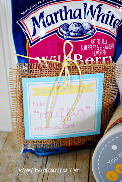 Printable Mother's Day Muffin Mix Tag at www.thebensonstreet.com