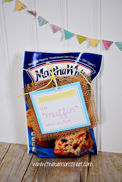 Printable Muffin Mix Tags for Mother's Day at www.thebensonstreet.com