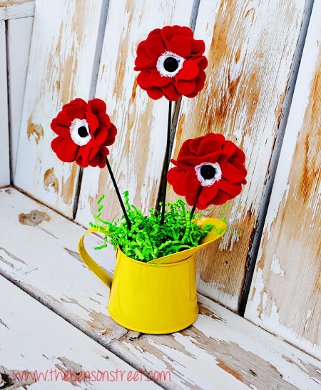 Memorial Day Poppy at www.thebensonstreet.com