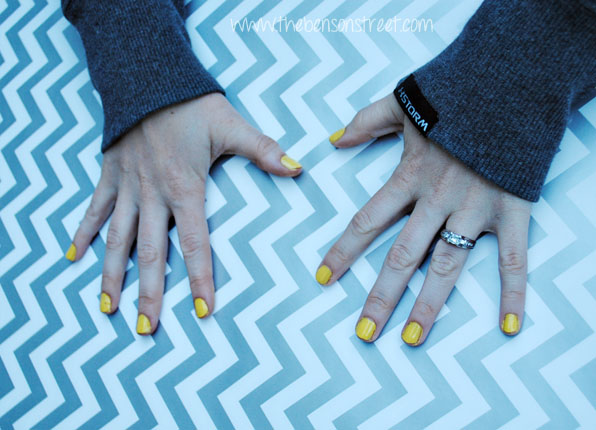 Yellow Street Style Nails at www.thebensonstreet.com
