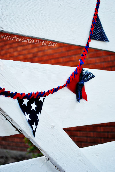 No Sew Fourth of July Banner at www.thebensonstreet.com