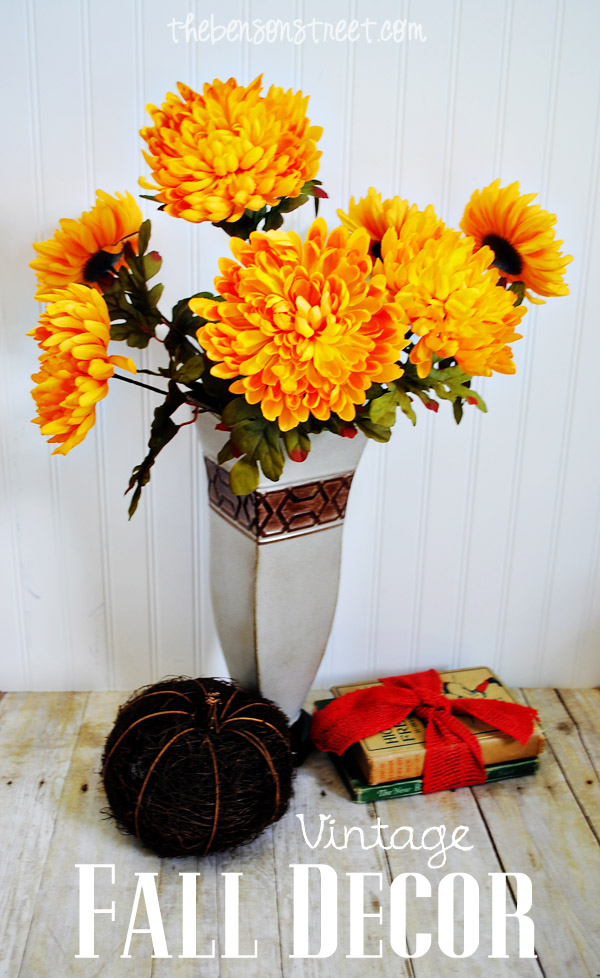 Easy Fun Vintage Fall Decor at thebensonstreet.com