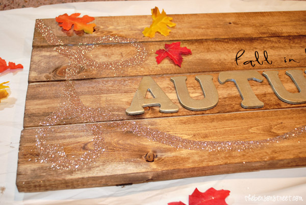 Glittered Autumn Pallet Sign at thebensonstreet.com