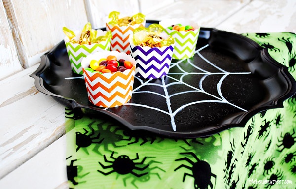 Easy and Fun Spider Web Tray at thebensonstreet.com