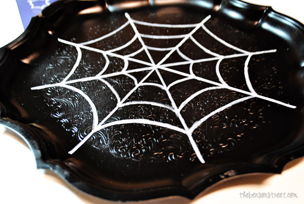 Serving Tray for Halloween at thebensonstreet.com