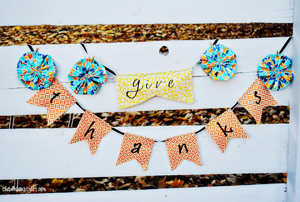 Give Thanks Banner Tutorial at thebensonstreet.com