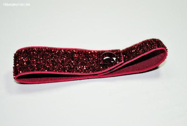 Glitter Elastic Bow Bracelet at thebensonstreet.com