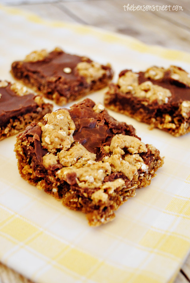 Delicious Oatemeal Fudge Bars at thebensonstreet.com