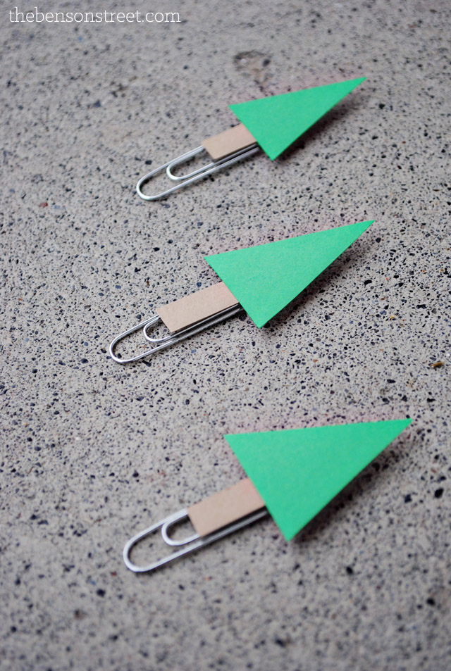 Easy to make Christmas Tree Paperclips at thebensonstreet.com