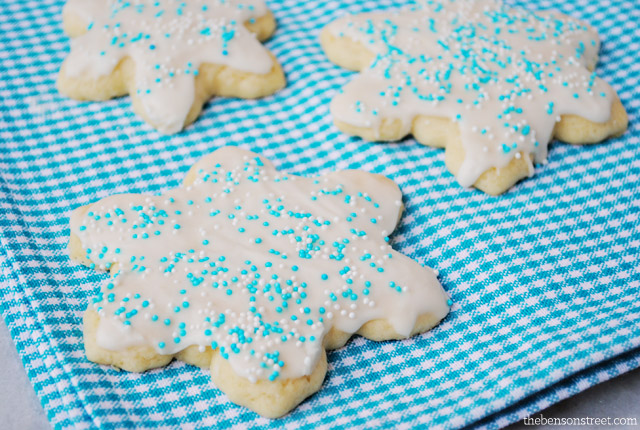 Yummy Sugar Cookie Recipe at thebensonstreet.com