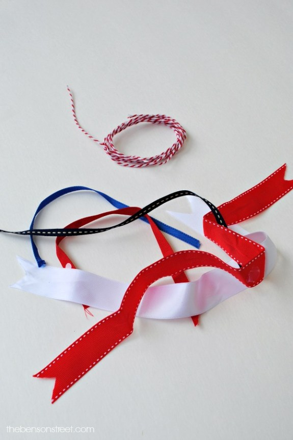 Ribbon Banner for 4th of July at thebensonstreet.com