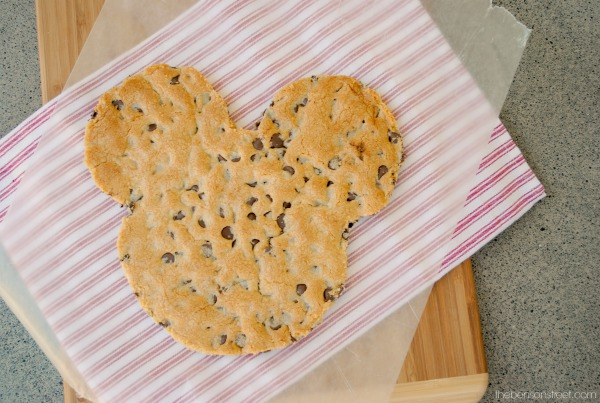 Learn how to make a giant Mickey Mouse Cookie at thebensonstreet.com
