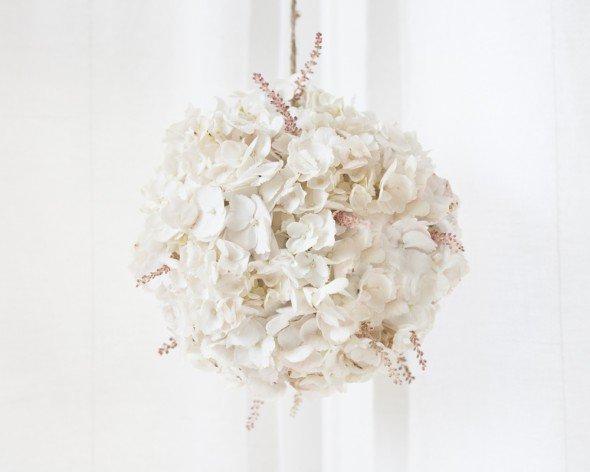 diy-blush-hydrangea-globe-1-590x472