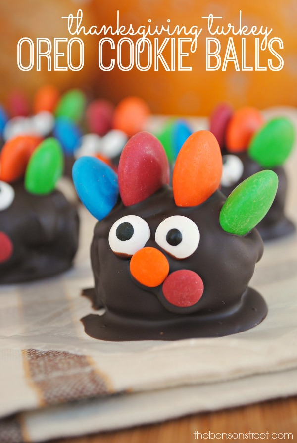 Easy to make Thanksgiving Turkey OREO Cookie Balls at thebensonstreet.com